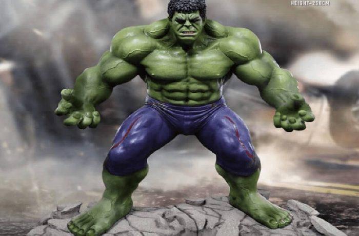 Avengers Age of Ultron Life-Size Statue Hulk 250 cm